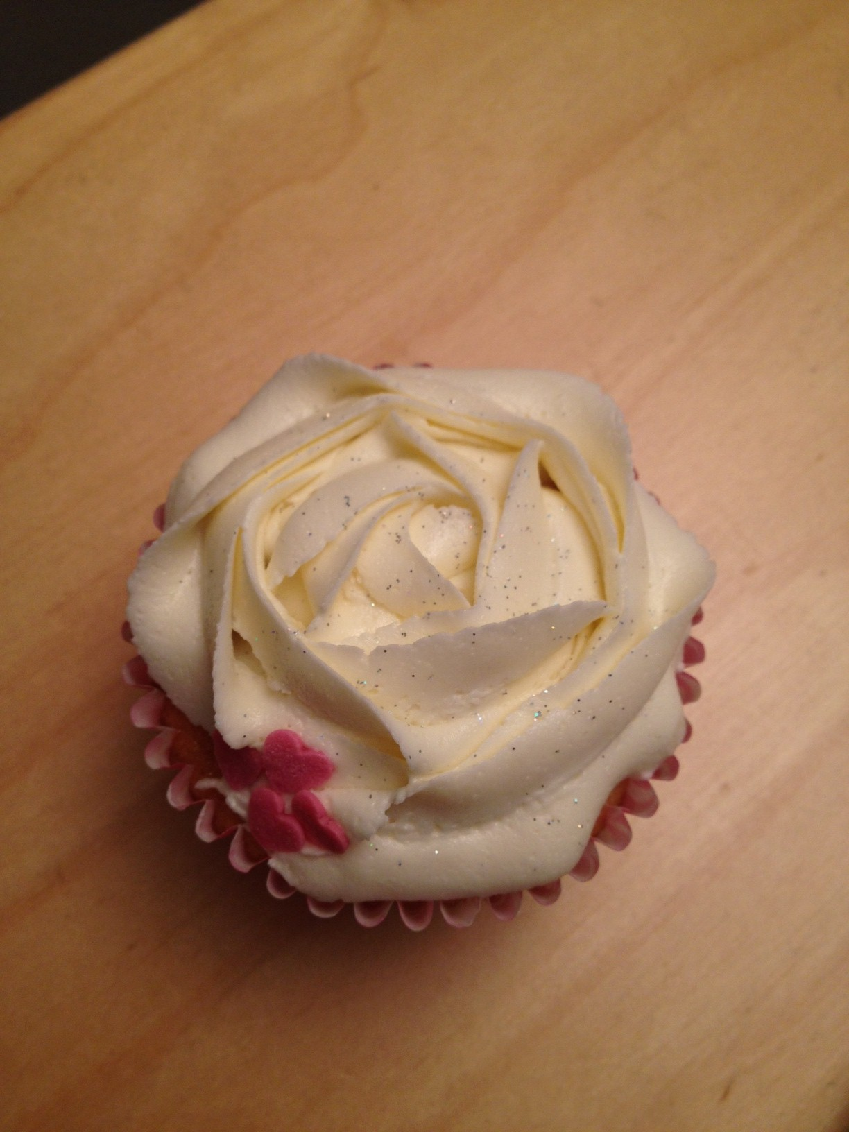 how to make 12 simple vanilla cupcakes